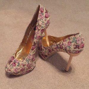 Floral stiletto platform NWOT
